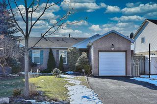 Photo 1: 50 Hawkins Crescent in Ajax: South West House (Bungalow) for sale : MLS®# E4681772