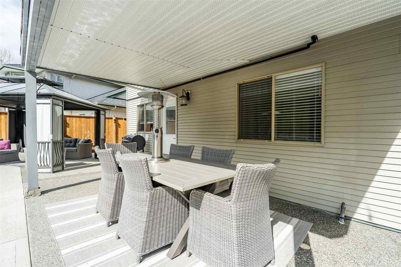 Photo 16: Photos: 23675 108 Loop in Maple Ridge: Albion House for sale : MLS®# R2447949