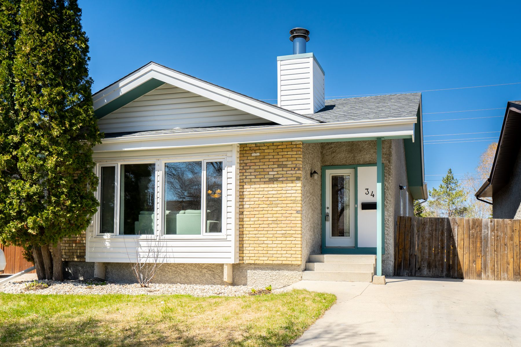 Main Photo: 34 Mansfield Crescent in Winnipeg: River Park South House for sale (2F)  : MLS®# 202009485