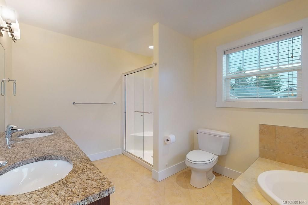 Photo 13: Photos: 990 Arngask Ave in : La Bear Mountain House for sale (Langford)  : MLS®# 881565