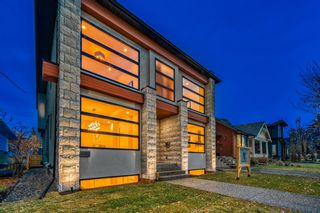 Photo 2: 1807 Bowness Road NW in Calgary: Hillhurst Detached for sale : MLS®# A1056284