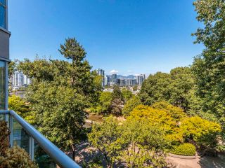 """Photo 11: 608 518 MOBERLY Road in Vancouver: False Creek Condo for sale in """"Newport Quay"""" (Vancouver West)  : MLS®# R2603503"""