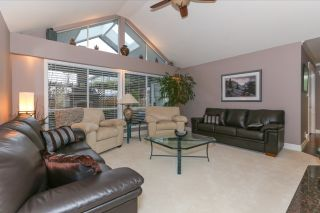 Photo 2: 4523 DAWN PLACE in Delta: Holly House  (Ladner)  : MLS®# R2032426