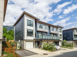 "Photo 1: 38365 SUMMIT'S VIEW Drive in Squamish: Downtown SQ Townhouse for sale in ""The Falls"" : MLS®# R2278047"