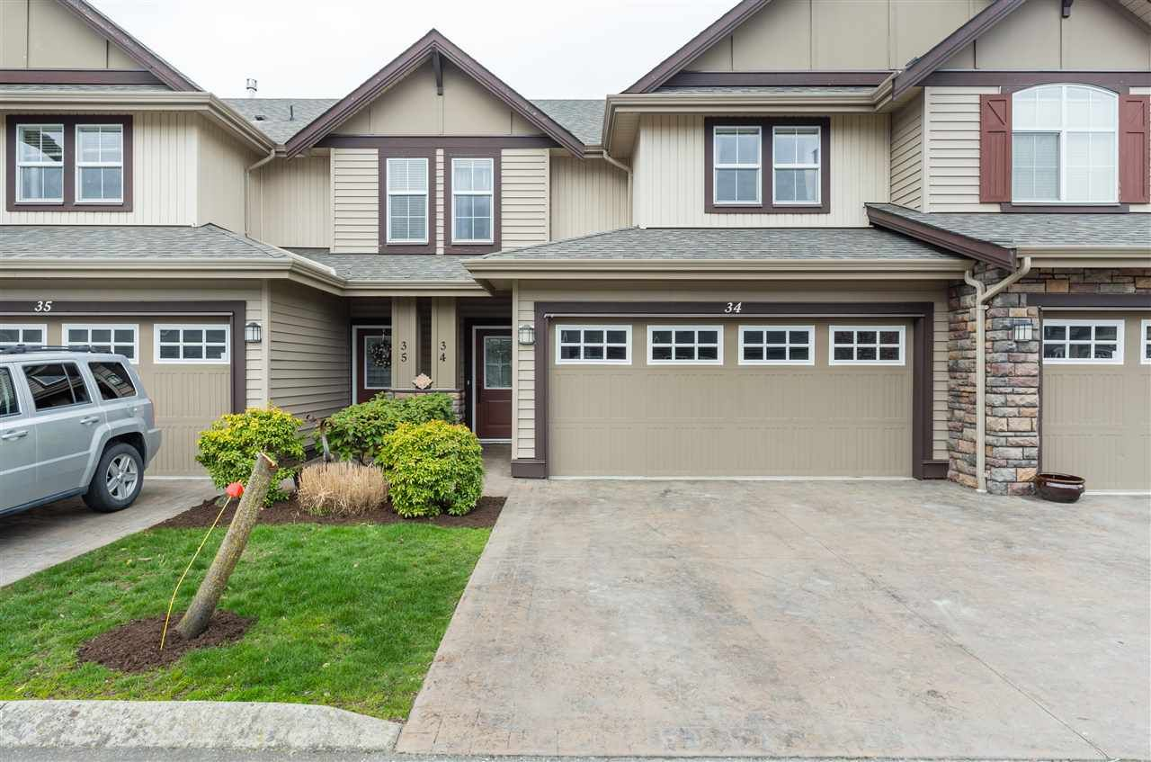 "Main Photo: 34 6577 SOUTHDOWNE Place in Sardis: Sardis East Vedder Rd Townhouse for sale in ""HARVEST SQUARE"" : MLS®# R2252261"