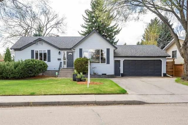 Main Photo: 10713 57 Avenue NW in Edmonton: House for sale : MLS®# E4244163