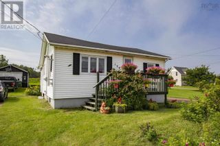 Main Photo: 120 Pit Road in Joggins: House for sale : MLS®# 202120365