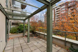 """Photo 3: 302 2288 PINE Street in Vancouver: Fairview VW Condo for sale in """"THE FAIRVIEW"""" (Vancouver West)  : MLS®# R2519056"""