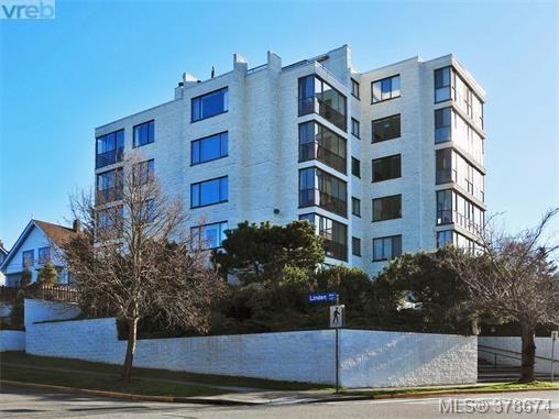 Main Photo: 201 1204 Fairfield Rd in VICTORIA: Vi Fairfield West Condo for sale (Victoria)  : MLS®# 760427