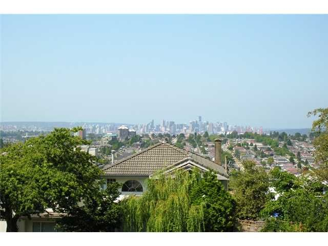 Main Photo: 5031 EMPIRE Drive in Burnaby: Capitol Hill BN House for sale (Burnaby North)  : MLS®# V863027