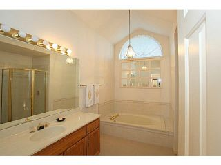 Photo 9: # 1 1804 SOUTHMERE CR in Surrey: Sunnyside Park Surrey Condo for sale (South Surrey White Rock)  : MLS®# F1400793