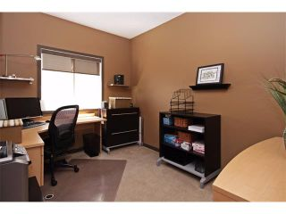 Photo 4: 18 CRYSTAL SHORES Place: Okotoks House for sale : MLS®# C4018955