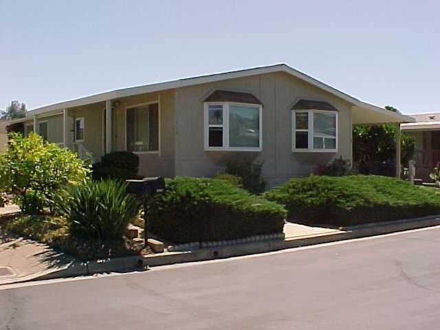 Main Photo: NORTH ESCONDIDO Manufactured Home for sale : 2 bedrooms : 1619 Toyon Glen in Escondido