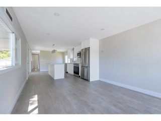 """Photo 3: 181 1840 160 Street in Surrey: King George Corridor Manufactured Home for sale in """"BREAKAWAY BAYS"""" (South Surrey White Rock)  : MLS®# R2585723"""