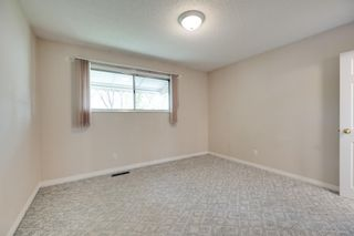 Photo 5: 5208 90 Avenue in Edmonton: Zone 18 House for sale : MLS®# E4247858