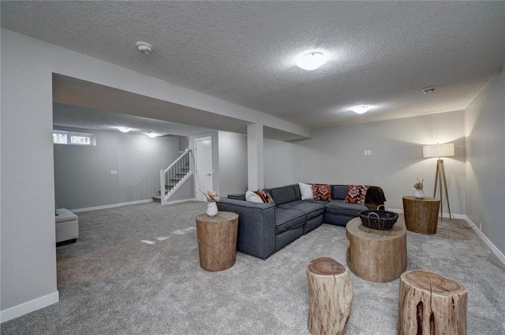 Photo 39: Photos: 210 OAKMOOR Place SW in Calgary: Oakridge House for sale : MLS®# C4111441