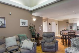 """Photo 10: 504 305 LONSDALE Avenue in North Vancouver: Lower Lonsdale Condo for sale in """"THE MET"""" : MLS®# R2463940"""