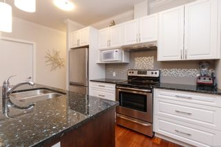 Photo 15: 302 9776 Fourth St in Sidney: Si Sidney South-East Condo for sale : MLS®# 878510