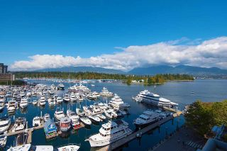 """Photo 3: 607 323 JERVIS Street in Vancouver: Coal Harbour Condo for sale in """"ESCALA"""" (Vancouver West)  : MLS®# R2593868"""