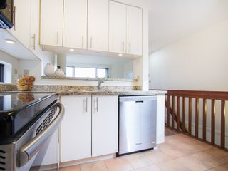 """Photo 13: 104 811 W 7TH Avenue in Vancouver: Fairview VW Townhouse for sale in """"WILLOW MEWS"""" (Vancouver West)  : MLS®# V1110537"""