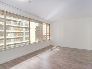 """Photo 3: 911 1177 HORNBY Street in Vancouver: Downtown VW Condo for sale in """"LONDON PLACE"""" (Vancouver West)  : MLS®# R2403414"""