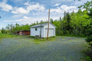 Photo 3: 4300 HOLMES Road in Prince George: Pineview House for sale (PG Rural South (Zone 78))  : MLS®# R2460093