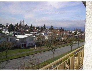 Photo 2: 5580 DUMFRIES ST in Vancouver: Knight House for sale (Vancouver East)  : MLS®# V585986