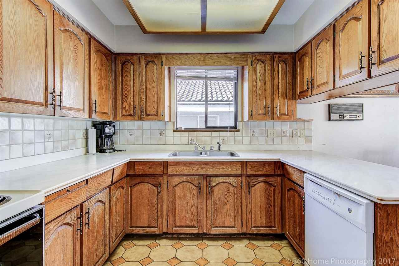 Photo 6: Photos: 5351 FRANCES Street in Burnaby: Capitol Hill BN 1/2 Duplex for sale (Burnaby North)  : MLS®# R2137960