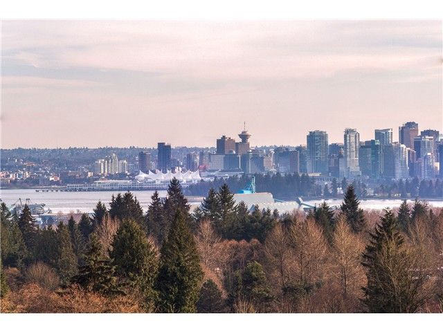 Main Photo: 720 Parkside Rd in West Vancouver: British Properties House for sale : MLS®# V1109819