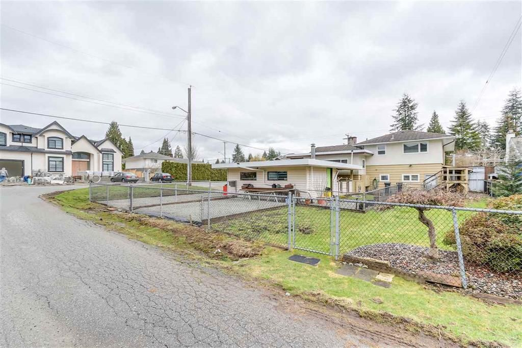Main Photo: 826 Gatensbury Street in Coquitlam: Harbour Chines House for sale : MLS®# R2148653