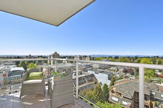 """Photo 18: 902 2288 W 40TH Avenue in Vancouver: Kerrisdale Condo for sale in """"Kerrisdale Parc"""" (Vancouver West)  : MLS®# R2363807"""