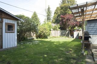 """Photo 12: 1315 FERNWOOD Crescent in North Vancouver: Norgate House for sale in """"Norgate"""" : MLS®# R2066595"""