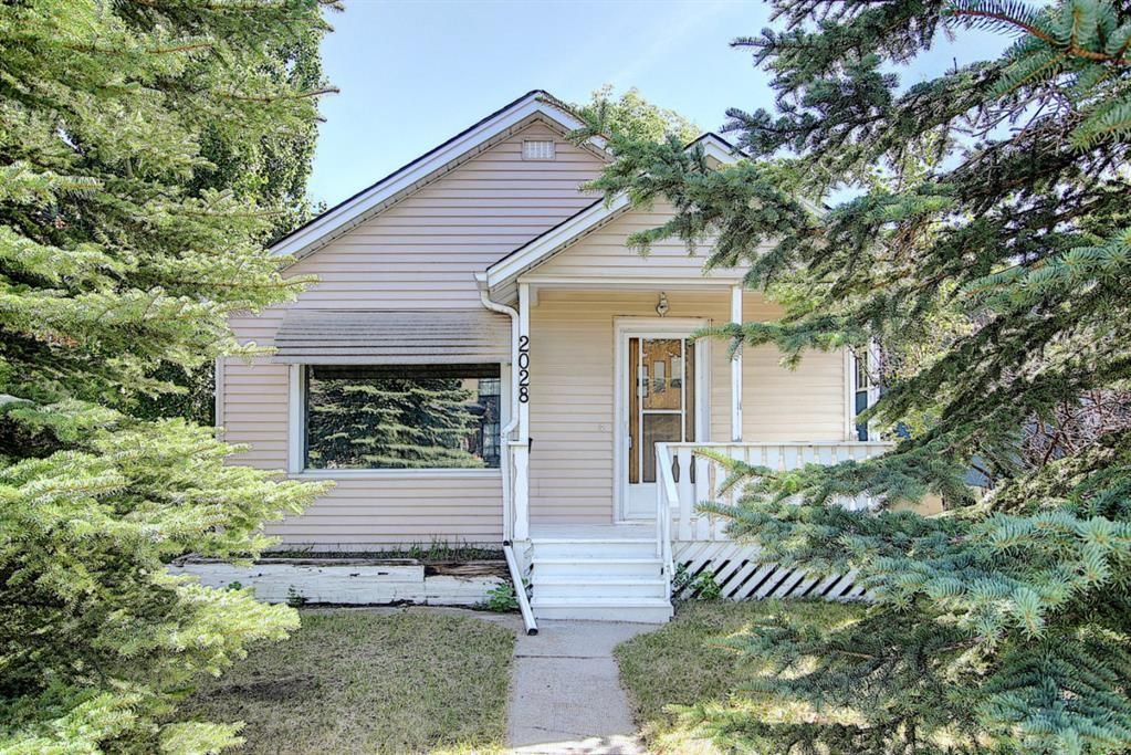 Main Photo: 2028 27 Street SW in Calgary: Killarney/Glengarry Detached for sale : MLS®# A1027674