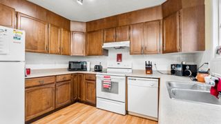 Photo 12: 31 WARWICK Road in Edmonton: Zone 27 House Half Duplex for sale : MLS®# E4259252