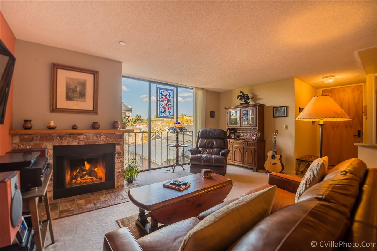 Main Photo: MISSION HILLS Condo for sale : 2 bedrooms : 4082 Albatross #6 in San Diego