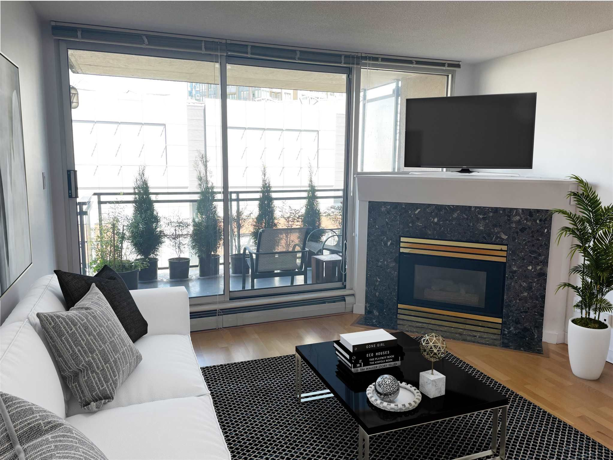 """Main Photo: 511 555 ABBOTT Street in Vancouver: Downtown VW Condo for sale in """"PARIS PLACE"""" (Vancouver West)  : MLS®# R2595361"""