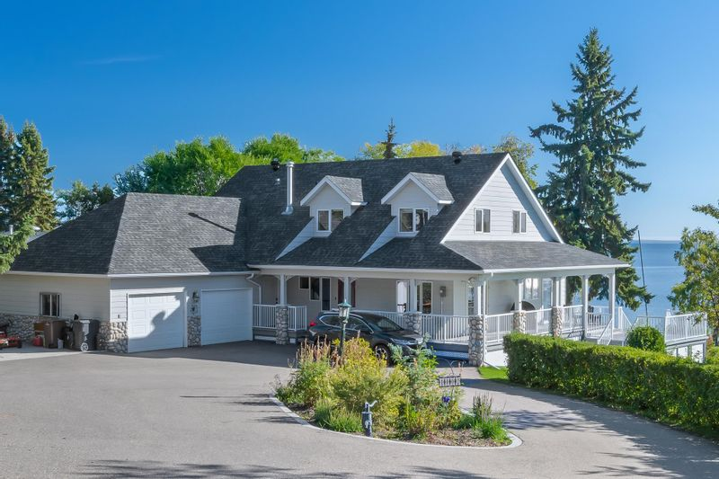 FEATURED LISTING: 1002 28 Street Cold Lake