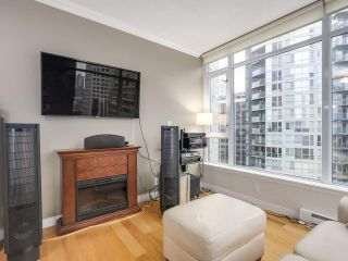 """Photo 10: 1202 1211 MELVILLE Street in Vancouver: Coal Harbour Condo for sale in """"The Ritz"""" (Vancouver West)  : MLS®# R2223413"""