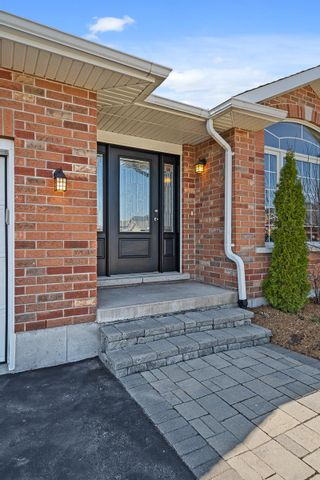 Photo 3: 16 Chelsea Crescent in Belleville: House for sale : MLS®# 40093456