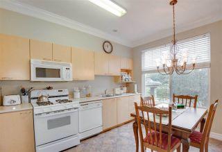"Photo 6: 22 3711 ROBSON Court in Richmond: Terra Nova Townhouse for sale in ""Tennyson Gardens"" : MLS®# R2154262"