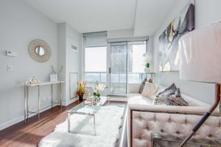 Photo 9: 1407 500 Sherbourne Street in Toronto: North St. James Town Condo for sale (Toronto C08)  : MLS®# C5088340