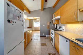 Photo 3: 56 Kentish Drive SW in Calgary: Kingsland Detached for sale : MLS®# A1078785