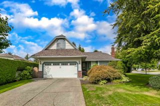 """Photo 1: 12379 SOUTHPARK Crescent in Surrey: Panorama Ridge House for sale in """"Boundary Park"""" : MLS®# R2306272"""