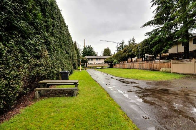 Photo 19: Photos: 2013 HOLDOM Avenue in Burnaby: Parkcrest Townhouse for sale (Burnaby North)  : MLS®# R2147060