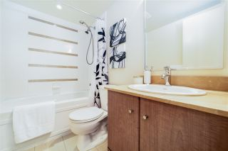 """Photo 10: 2802 909 MAINLAND Street in Vancouver: Yaletown Condo for sale in """"Yaletown Park II"""" (Vancouver West)  : MLS®# R2505728"""