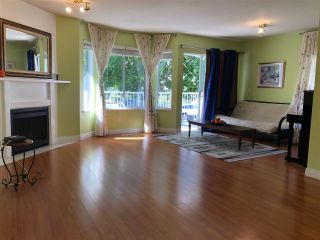 Photo 2: 21 8250 121A STREET in Surrey: Queen Mary Park Surrey Townhouse for sale : MLS®# R2394348
