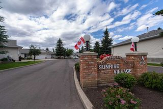 Photo 2:  in Edmonton: Zone 29 House Half Duplex for sale : MLS®# E4253072