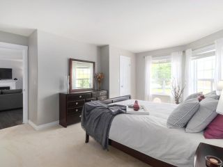 Photo 14: 1071 KING GEORGE Boulevard in Surrey: King George Corridor House for sale (South Surrey White Rock)  : MLS®# R2479614