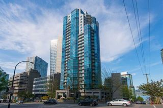 """Photo 1: 902 1415 W GEORGIA Street in Vancouver: Coal Harbour Condo for sale in """"Palais Georgia"""" (Vancouver West)  : MLS®# R2163813"""