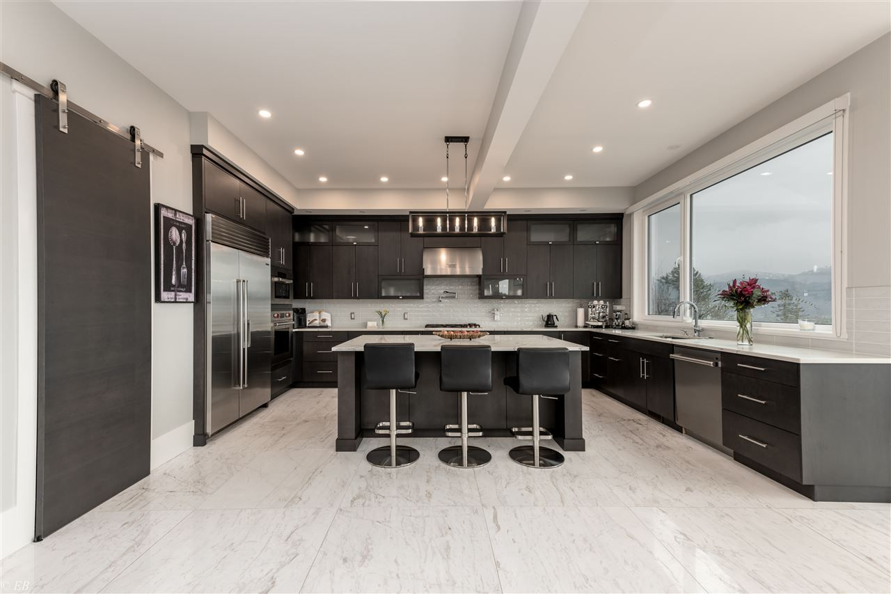 Photo 1: Photos: 36498 FLORENCE DRIVE in Abbotsford: Abbotsford East House for sale : MLS®# R2550580